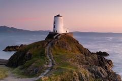 Twr Mawr Lighthouse (William Rigby) Tags: sunset wales anglesey northwales llanddwynisland ynysllanddwyn lighthouse unitedkingdom tymawr twrmawr