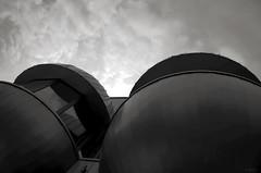 Bubbl'z (Atreides59) Tags: berlin allemagne deutschland germany ciel sky nuages clouds urban urbain black white bw blackandwhite noir blanc nb noiretblanc pentax k30 k 30 pentaxart atreides atreides59 cedriclafrance