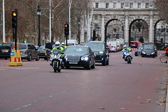 Special Escort Group on The Mall (Ian Press Photography) Tags: police met metropolitan seg special escort group armed protection limo limousine bentley bmw bikes bike motorbike biker vip officer officers motorbiker motor cycle flying spur car cars 999 emergency service services