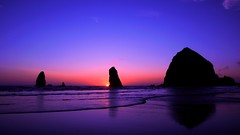 Haystack Rock (swanny6416) Tags: haystack rock cannon beach oregon coast sunset ocean pacific purple sky water