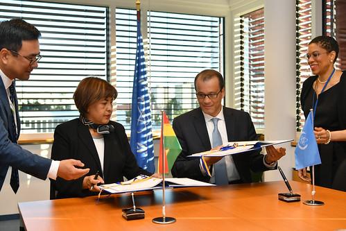 Bolivia Practical Arrangements Signing (01118366)