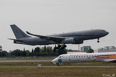 A330 MRTT // F-UJCG (Luc_slf) Tags: a330 a330mrtt flightest testflight airbus airbustest airbuslover blagnac toulouse toulouseairport toulouseblagnac aeroporttoulouseblagnac aéronautique aeronaitics aeroport aeronautics avion airport aviation spotting spotter planespotting planes planespotter plane canon canon2000d