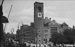 (foundin_a_attic) Tags: amsterdam beurs centraalstation
