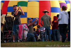 Cell phones, selfies, and the digital age (ctofcsco) Tags: 1400 300mm 5d 5dclassic 5dmark1 5dmarki canon canonef35350mmf3556lusmorsigmaortamronlens colorado coloradosprings didnotfire digital ef353503556lusm eos eos5d esplora evaluative labordayliftoff ldlo 2019 balloon balloons city co cool crowd crowded crowds event explore festival fun geo:lat=3882831660 geo:lon=10479891560 geotagged happy hotair hotairballoon knobhill landscape memorialpark northamerica party photograph picture prospectlake explored f56 flashoff iso200 photo pic pretty renown shutterspeedpriorityae superzoom unitedstates usa