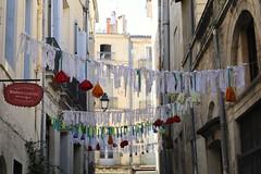 Rue Roucher (just.Luc) Tags: décoration fabric tissue montpellier hérault occitanie okzitanien france frankrijk frankreich francia frança