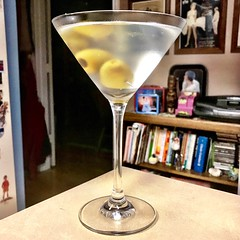 Midweek Martini (_BuBBy_) Tags: midweek martini gin vermouth olive olives glass drink cocktail