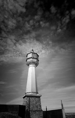 Le phare (phiji75) Tags: paysages marne verzenay phares architecture ciel nuages nb