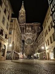 Cathédrale Notre Dame de Strasbourg (erion_turullai) Tags: strasbourg cathédrale notredame huawei night travel france history architecture art church magic
