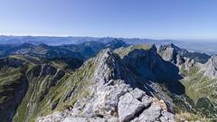 Weil es grat so schön ist (peter-goettlich) Tags: ngc moutain ridge outdoor natur landscape rock berge grat landschaft fels ammergauer alpen hochplatte