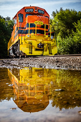 Idle TP&W (dscharen) Tags: funits fp9s gp20 illinois kjry keokukjunction mapleton reflection tpw toledopeoriawestern trains