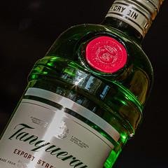6M7A7831 (hallbæck) Tags: gin flaske spiritus liquor sprut alkohol alcohol ildvand sprit bottle mh hørsholm denmark canoneos5dmarkiii ef85mmf12liiusm mycanonandme eating|drinking flickr´ {drinkme}