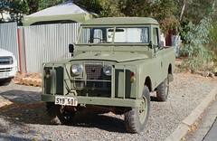 Land Rover (nickant44) Tags: fujica kodak ultramax 35mm slr film analog m42 coolscan australia st801 vintage retro land rover
