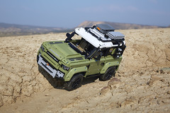 TECHNIC Land Rover Defender 42110 (KPowers67) Tags: land rover technic defender 42110 rainbow bricks lego user group