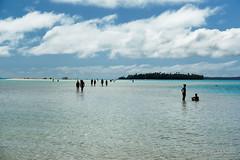 20190911-55-People on sandbank (Roger T Wong) Tags: 2019 aitutaki cookislands onefootisland pacific pacificisland rogertwong sel24105g sony24105 sonya7iii sonyalpha7iii sonyfe24105mmf4goss sonyilce7m3 tapuetai blue holiday isalnd lagoon sand sea sky travel water white