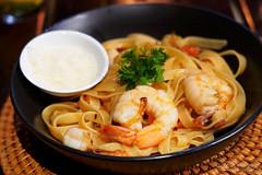 20190911-76-Prawn linguine at Pacific Resort in Aitutaki (Roger T Wong) Tags: 2019 aitutaki cookislands pacific pacificisland pacificresort rogertwong sel24105g sony24105 sonya7iii sonyalpha7iii sonyfe24105mmf4goss sonyilce7m3 dinner food holiday isalnd lagoon linguine pasta prawn resort travel
