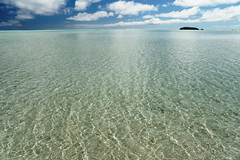 20190911-59-Very shallow water (Roger T Wong) Tags: 2019 aitutaki cookislands onefootisland pacific pacificisland rogertwong sel24105g sony24105 sonya7iii sonyalpha7iii sonyfe24105mmf4goss sonyilce7m3 tapuetai blue holiday isalnd lagoon sand sea sky travel water white