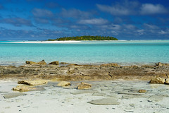20190911-60-Another tiny island (Roger T Wong) Tags: 2019 aitutaki cookislands onefootisland pacific pacificisland rogertwong sel24105g sony24105 sonya7iii sonyalpha7iii sonyfe24105mmf4goss sonyilce7m3 tapuetai blue holiday isalnd lagoon sand sea sky travel water white