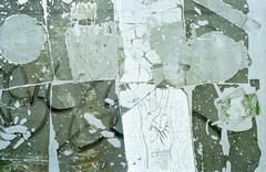 CRO (Friedel II) Tags: nikonfa kodakproimage100 schild rückseite hand münsteranalog spuren verwitterung sticker stadt abstraktion nikkor50mm14