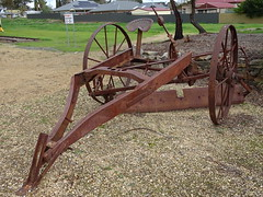 Old Drawn Sweeper (mikecogh) Tags: freeling oldfashioned heritage sweeper horsedrawn