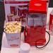 Retro Popcorn Maschine in knalligen Rot und Coca Cola
