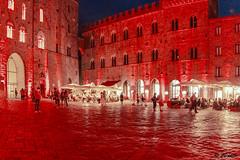 La Notte rossa Piazza dei Priori (danilocolombo69) Tags: nikon club it danilocolombo nikonclubit volterra tuscany lanotterossa piazzadeipriori