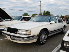 1988 Buick Park Avenue (splattergraphics) Tags: 1988 buick parkavenue cruisenight lostinthe50s harundalemd