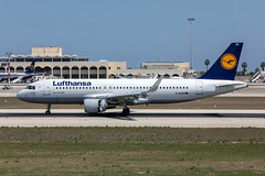 Lufthansa Airbus A320-214 (WL) 'D-AIUB' LMML - 13.09.2019 (Chris_Camille) Tags: lh lhdlh dlh lufthansa daiub a320 spottinglog registration planespotting spotting maltairport airplane aircraft plane sky fly takeoff airport lmml mla aviationgeek avgeek aviation canon5d 5dmk4 70200mm28 canonef canon livery myphoto myphotography