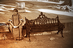 La señora y la banca (Oaxaca, México) (Harry Szpilmann) Tags: oaxaca indigena portrait indian woman sepia mexico mexique streetphotography
