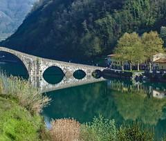 Ponte della Maddalena (giorgiorodano46) Tags: giorgiorodano aprile2011 april 2011 toscana tuscany garfagnana ponte bridge fiume river serchio devilsbridge
