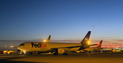 FedEx  767 N112FE 'Jordan' (Longreach - Jonathan McDonnell) Tags: dublin dublinairport eidw boeing boeing767 767 767300 freighter fedex n112fe 7673s2er jordan img8312 dawn daybreak sky