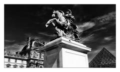 Statue équestre de Louis XIV (Jean-Louis DUMAS) Tags: bw black blanc blackandwhite blackwhite blackwhitephotos noir noiretblanc noireblanc noirblanc statue louvre
