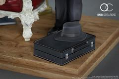 Figurine / Diorama L & Watari dans Death Note par Oniri Créations (Shady_77) Tags: figurine diorama oniricréations death note deathnote watari