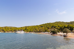 Zogeria Beach on Spetses, Greece (dronepicr) Tags: photo griechenland landscape nature allgemein europe mediterranean outdoor canon vacation natur sea coast sun blue beach ocean tourism turquoise travel strandurlaub island summer greece spetses länderstädte geotagged holiday strand
