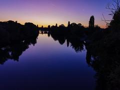 Couleur vitrail des bords de Marne (tetedelart1855) Tags: paris marne valdemarne riviere crepuscule couleurs huawei mate20 smartphone avignon champigny
