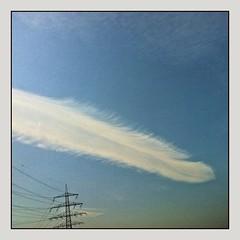 Feder(n) lassen... (schau_ma_da) Tags: 2604 album3 deutschland flickr himmel iphone iphone44s quadrat sanktaugustin schaumada wolken wolkendecke wolkengebräu