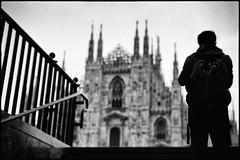 Milano (Igor Vdi) Tags: leica m6 summicron 35mm ilford hp5 urban street bw monocrome milano italy dome