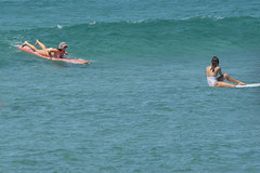 DSC02477 (slackest2) Tags: surfing surfboard surfer sea ocean waves water swell queensland coast longboard mal girlie girl coloundra