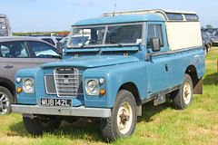 Land Rover MUB 142L (SR Photos Torksey) Tags: land rover 4x4 transport vehicle road classic traffic