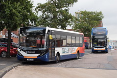 SSW 37444 and 10502 @ Exeter bus station (ianjpoole) Tags: stagecoach south west alexander dennis enviro 200mmc sn16osu 37444 400mmc sn65zhu 10502 exeter bus station