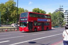 IMGP3651 (Steve Guess) Tags: parklane hydeparkcorner london england gb uk abellio alexander dennis enviro 400