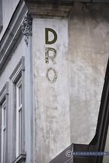 Oberösterreich Weyer_DSC0426 (reinhard_srb) Tags: oberösterreich weyer lost place vernblasst drogerie aufschrift fassade geschäft dach fenster verzierung