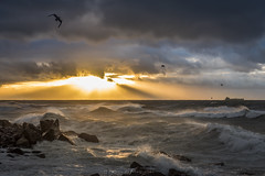 Km3 (Mauro Esains) Tags: amanecer agua aire argentina angular cielo chubut comodoro costa clouds colores viento mar marejada marea