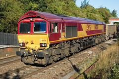 EWS - DB Cargo - 66056 (Signal Box - Railway photography) Tags: outdoor railway railroad uk mainline diesel locomotive train freight ews dbcargo class66 railfreight whitchurch hampshire station freighttrain