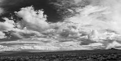 (el zopilote) Tags: newmexico albuquerque westmesa losvolcanos bw panorama blancoynegro clouds landscape lumix pano nb bn m43 g9 milc leicavarioelmarit1260mmf284asph blackandwhite monochrome noiretblanc 500