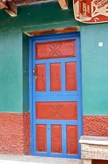 Red Door Blue Door (vincenzooli) Tags: santos todos guatemala fujifilm provia nikon f6