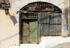 Abandoned.. (ᗰᗩᖇᓰᗩ ☼ Xᕮ∩〇Ụ) Tags: canoneos1100d greece griechenland ελλαδα