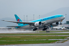 HL8045 Boeing 777 Freighter Korean Air Cargo (SamCom) Tags: yvr cyvr vancouverinternationalairport hl8045 boeing 777 freighter koreanaircargo b777f