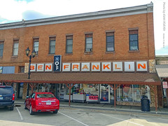 Ben Franklin Store in Park Rapids, 15 July 2019 (photography.by.ROEVER) Tags: minnesota 2019 july july2019 vacation roadtrip 2019vacation 2019roadtrip minnesota2019roadtrip minnesota2019vacation hubbardcounty parkrapids mainave mainavenue benfranklin benfranklinstore usa