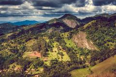 Vista da Pedra Chanfrada (rvcroffi) Tags: gonçalves minasgerais pedrachanfrada paisagem montanha natureza horizonte vegetação nature landscape montains ensolarado sunnyday