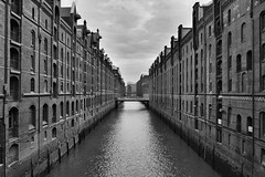 Hamburg - Speicherstadt (cnmark) Tags: germany deutschland hamburg speicherstadt warehouses fleet kanal channel canal sightseeing architecture architektur buildings gebäude brick ziegel red rot black white bw sw schwarzweiss ©allrightsreserved